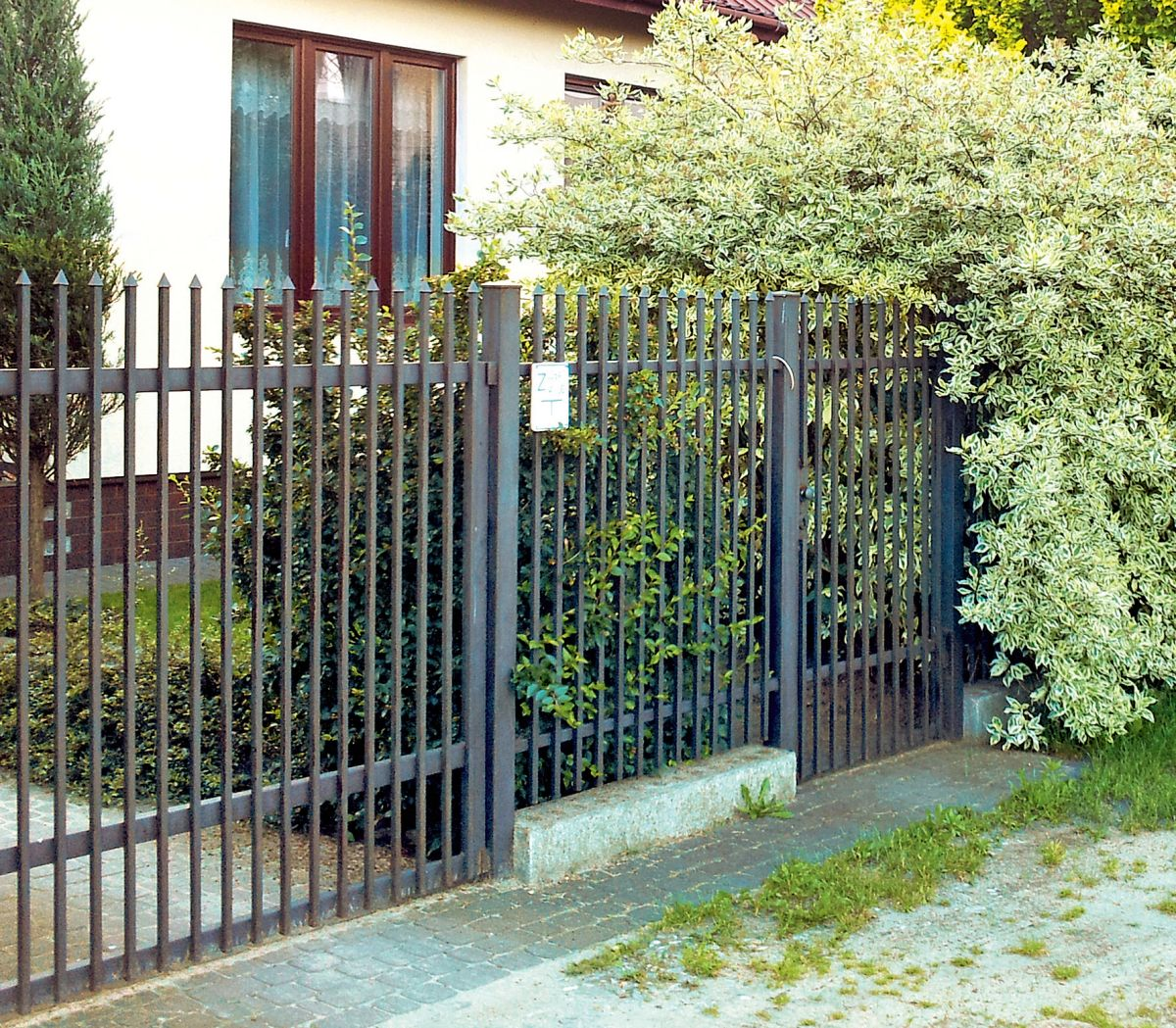 Renowacja ogrodzenia metalowego